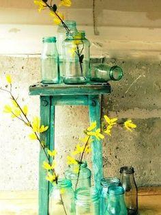 fake it vintage - Mason Blue Glass Canning Jar DIY tutorial Blue Mason Jars, Bottles And Jars, Glass Bottles, Liquor Bottles, Deco Pastel, Deco Floral, Table Verte, Deco Cafe, Canning Jars