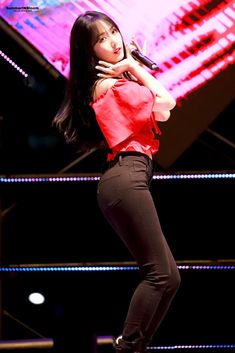 Gfriend at 2018 Yangju Globe Amaranth Festival 180915 Cr: owner Pretty Asian, Beautiful Asian Women, South Korean Girls, Korean Girl Groups, Sinb Gfriend, G Friend, Foto Pose, Cute Girl Outfits, Poses