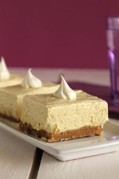 No-Bake Banana Cream Cheesecake~~~The one with all the tastes Banana Cream Cheesecake, Cheesecake Cake, Cheesecake Recipes, Sweets Recipes, Cookie Recipes, Decadent Cakes, Baked Banana, Sweets Cake, Trifle
