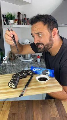 Fun Baking Recipes, Sweet Recipes, Cookie Recipes, Chocolate Roll, Chocolate Cookies, Köstliche Desserts, Oreo Dessert Recipes, Oreo Truffles, Tasty