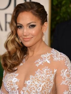 Jennifer Lopez hair & makeup look from the red carpet of the Golden Globes. What do you think?