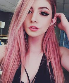 Chrissy Costanza, Against The Current Crissy Costanza, Cute Girl Drawing, Foto Instagram, Girly Pictures, Girls Selfies, Stylish Girl Pic, The Most Beautiful Girl, Tumblr Girls, Pink Hair