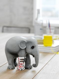 Rikki Tikki Shop is a Danish web shop specialized in home decor, textiles and gift items designed by well-known Danish artists. Asian Elephant, Elephant Stuff, City Events, Elephant Parade, Elephant Sculpture, Pretty Animals, Save The Elephants, International Artist, Public Art