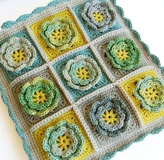 Granny squares crochet bag by dada's place, via Flickr