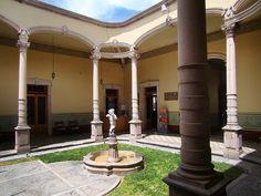 Patio de casona señorial antigua de Aguascalientes     check us out:  http://stainlesscablerailing.com/