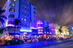 Ocean Drive, a principal avenida de Miami Beach