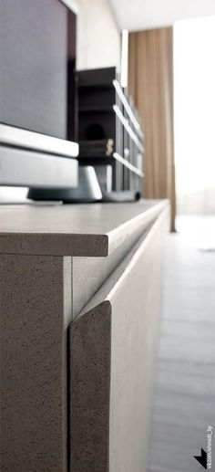 The Resin Cement also becomes a protagonist in the Living thanks to the new Twenty Resin model, to transmit unprecedented material and chromatic emotions. Modern Kitchen Cabinets, Kitchen Units, Kitchen Furniture, Kitchen Interior, Modern Furniture, Kitchen Design, Furniture Design, Kitchen Decor, Contemporary Living