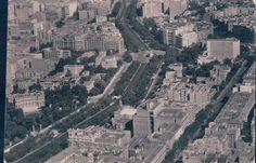 Aérea en la que se aprecia el palacio Montellano (extr izq) justo en frente la sede del periodico ABC y la calle Serrano