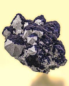 Fluorite with Quartz - Huanggang Fe-Sn Deposit, Hexigten Banner, Ulanhad League, Inner Mongolia Autonomous Region, China | This cluster of quartz has sharp, damage free terminations.