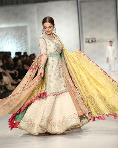 Hania Amir in Elan Walima Dress, Pakistani Formal Dresses, Pakistani Wedding Outfits, Pakistani Dress Design, Bridal Outfits, Indian Dresses, Indian Outfits, Pakistani Clothing, Lehnga Blouse