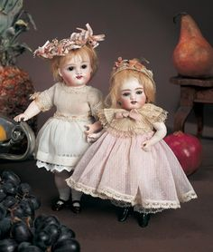 """View Catalog Item - Theriault's Antique Doll Auctions - kestner, 10"""""""