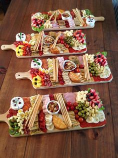 Holiday Appetizers, Appetizer Recipes, Holiday Recipes, Bridal Shower Appetizers, Charcuterie Recipes, Charcuterie And Cheese Board, Meat Cheese Platters, Bistro Food, Party Food Platters