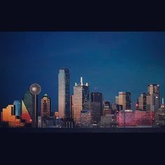 Oh Dallas! How I love thee? Obsess with the Dallas Texas skyline! #Dallas #Texas #DallasTexas #DallasSkyline #DallasTexasSkyline #DFW #NorthTexas #USA #NorthAmerica #America #InstaDFW #Metroplex #BigD #DFDub #214 by ric_ricc