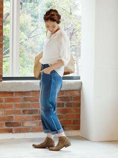 ホワイトシャツ×ジーンズ