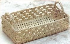 free chart - Simple Rectangular Basket with Handles - Russian chart; I can see making this in a small handful of colors of jute or hemp to use at the dining table