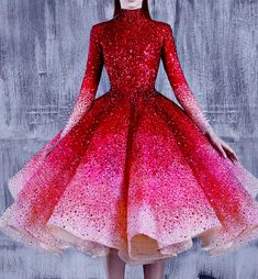 Starry-Eyed and Over-Caffeinated, fashion-runways: MICHAEL CINCO Couture.You can find Michael cinco and more on our website.Starry-Eyed and . Pretty Prom Dresses, Elegant Dresses, Homecoming Dresses, Cute Dresses, Beautiful Dresses, Short Dresses, Formal Dresses, Ball Gown Dresses, Evening Dresses