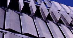 Dynamic facade, close-up