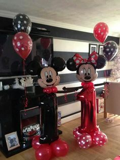 Happy First Birthday! Decoration with balloon numbers and mickey and minnie mouse. Happy First Birthday! Decoration with balloon numbers and mickey and minnie mouse. Decoration Minnie, Mickey Mouse Birthday Decorations, Mickey Mouse Parties, Balloon Decorations, Mickey Party, Disney Parties, Mickey 1st Birthdays, Happy First Birthday, Mickey Mouse Clubhouse Birthday
