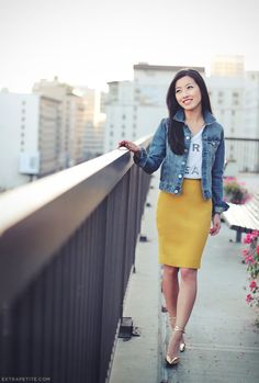 Outfits, skirt, fashion, moda, Style, sexy, asian Style, tshirt, american Style, nyc, yellow skirt, jacket