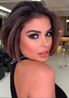 -Short haircuts ideas for woman,Short bob hairstyle for fine hair,Wavy bob haircuts for woman, Classic short bob haircuts choppy,Short Hair Color Ideas #bob #ShortHair #Hair #HairColor Short hair;Edgy short hair;Short hair for women;Short bob hairstyle;Short bob hair designs;Short bob hairs for girls;Short bob hairstyle for women Wavy Bob Haircuts, Bob Haircuts For Women, Bob Hairstyles For Fine Hair, Hairstyle Short, Best Short Haircuts, Short Hairstyles For Women, Short Choppy Hair, Short Hair Cuts, Short Hair Styles