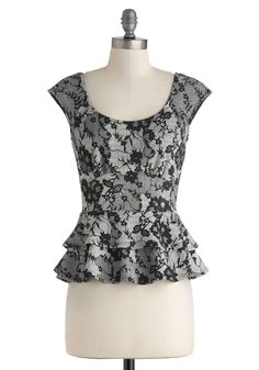 How to Buy a Flattering Top for an Hourglass Figure Hourglass Dress, Hourglass Figure, Black Lace Tops, Black White, White Lace, Girls Night Out, Modcloth, Blouses For Women, Cute Outfits