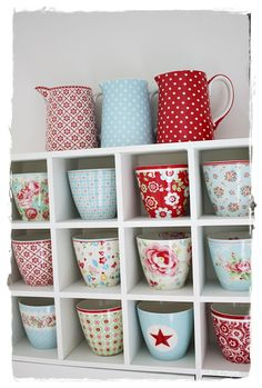 WELCOME TO INTERIOR WITH COLORS | beautiful display of GreenGate latte cups by Susi Rydahl