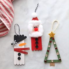 Popsicle Stick Christmas tree decorations - knitting is as easy as 3 The .Popsicle Stick Christmas tree decorations - knitting is as easy as 3 Knitting boils down to three essential Popsicle Stick Christmas Crafts, Stick Christmas Tree, Christmas Ornament Crafts, Christmas Crafts For Kids, Craft Stick Crafts, Christmas Projects, Kids Christmas, Holiday Crafts, Popsicle Sticks