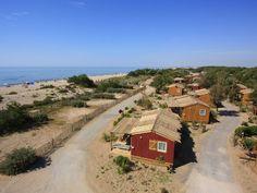 Yelloh! Village Le Sérignan Plage - Prenez un bain de soleil dans un véritable oasis de verdure ! Appréciez les charmes de la Méditerranée avec ce camping au bord d'une grande plage de sable fin sauvage et préservée ! Plus d'infos : http://www.yellohvillage.fr/camping/le_serignan_plage
