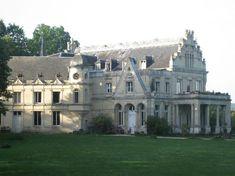 Chateau La Madeleine - Pressagny L'Orgueilleux, France