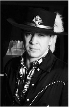 '''Boston - FEBRUARY 1987: Stevie Ray Vaughan poses for a portrait in February, 1987 in Boston, Massachusetts. (Photo by David Gahr/Getty Images)......''' http://www.gettyimages.fr/license/137020222