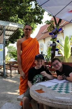 thailand-with-kids-monk-chat