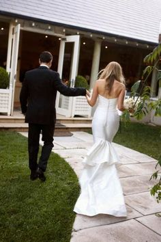 Adore the back of her wedding dress