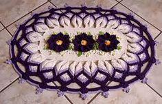 Resultado de imagem para modelos de croche de barbante america do norte Doilies, Tree Skirts, Christmas Tree, Holiday Decor, 1, Education, Home Decor, Crochet Carpet, Oval Rugs