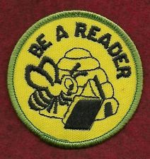 VINTAGE GIRL SCOUT BADGE - BROWNIE PRE TRY-ITS - BE A READER