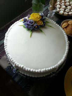 Facebook, Desserts, Food, Postres, Deserts, Hoods, Meals, Dessert, Food Deserts