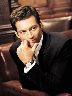 Several of my friends from high school have toured with Harry Connick Jr. (one continues to be his go to bass-man).  I met Harry in STL when he came in town for a performance at the Fox Theater in 1990.  He is all that and a bag of cracker jacks.  Harry's charm, beauty, charisma, sense of humor, and talents are what make him invincible as a superstar.