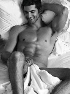The art of man - completelyfine: God, I love hot guys. Hot Men, Sexy Men, Cleft Chin, Men In Bed, As Leis, Art Of Man, Hot Hunks, Muscular Men, Attractive Men