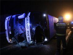 Felborult egy autóbusz Mezőkövesdnél, hárman meghaltak, többen megsérültek
