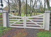 Country Style gates : Wooden Gates Fences driveway gates Wooden gate manufacturers Auckland New Zealand Waiuku