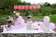 Birthday Girl Pictures, 1st Birthday Princess, 1st Birthday Photoshoot, 1st Birthday Party For Girls, 1st Birthday Cake Smash, Girl Birthday Themes, Gold Birthday, Birthday Photography, Babies
