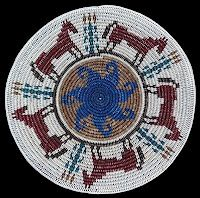 Navajo basket Native American Indians, Native Americans, Indian Baskets, Indian Quilt, Pine Needle Baskets, Navajo Rugs, Indigenous Art, General Crafts, Tapestry Crochet