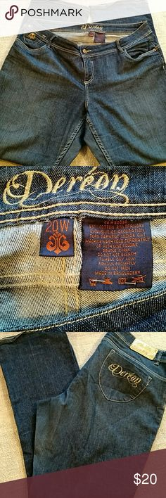 """Dereon jeans These are a lighter weight denim. Inseam is 33"""" EUC. Bottoms show no wear. Dereon Jeans Boot Cut"""
