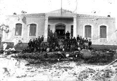 Απαγορεύτηκε η διδασκαλία ελληνικών και τα σχολεία έκλεισαν, με αποτέλεσμα πολλές οικογένειες να αναγκαστούν να φύγουν από το νησί Mansions, House Styles, Gym, Manor Houses, Villas, Mansion, Palaces, Mansion Houses, Villa