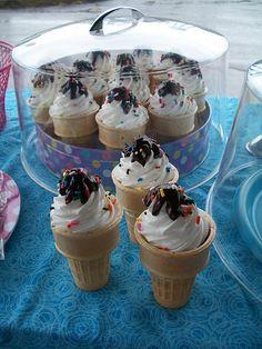 Ice Cream Cone Cupcakes display idea    @Carrie Planchon-Terrazas