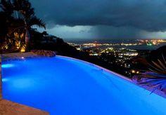 Questa villa si trova a St. Maarten, nei Caraibi.