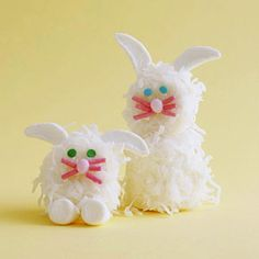Easter Bunny Marshmallow Treats Recipe: these are 2 very sad looking bunnies. Easter Bunny Marshmallow Treats Recipe: these are 2 very sad looking bunnies. Hoppy Easter, Easter Bunny, Easter Eggs, Easter Food, Bunny Bunny, Easter Table, Easter Decor, Family Holiday, Holiday Fun