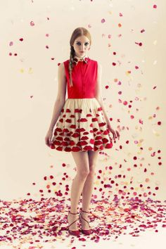 Alice & Olivia Resort runway 2014: playful lip print skirt