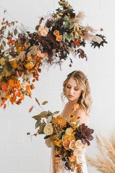 Fall Wedding Flowers, Orange Wedding, Fall Flowers, Floral Wedding, Wedding Colors, Wedding Bouquets, Wedding Styles, Autumn Wedding Bouquet, Wedding Arrangements