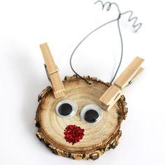 Wood Slice Ornaments - Rustic Christmas The cutest Rudolph Ornament EVER!The cutest Rudolph Ornament EVER! Preschool Christmas, Christmas Crafts For Kids, Christmas Projects, Kids Christmas, Holiday Crafts, Christmas Gifts, Christmas Tables, Wood Reindeer, Reindeer Craft