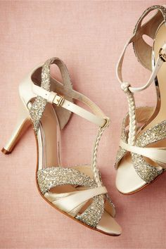 Gold Glitter Strappy Spring Wedding Shoes Gold glitter strappy wedding shoes with a strong vintage feel and braids. These shoes are a cute idea. Sparkly Wedding Shoes, Wedding Heels, Peep Toe, Sparkle Heels, Glitter Sandals, Gold Sandals, Shoe Boots, Shoes Heels, High Heels